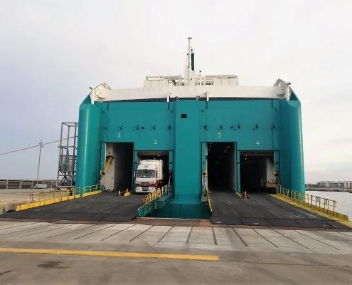 Obra de reparación de muelle tacon poniente puerto Ciutadella Menorca