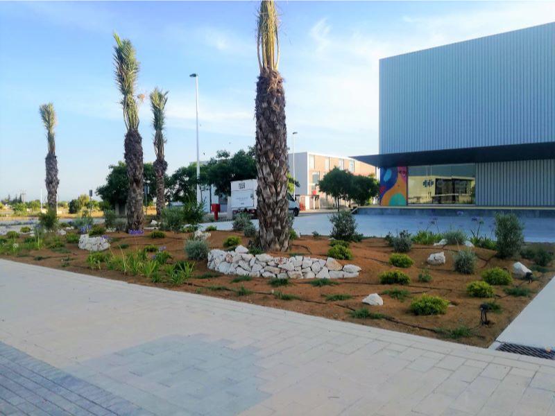 Urbanizacion y acbados en Nave Gioseppo